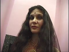 Indian Mature Whore Adaza Fucks