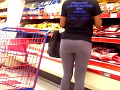 his ghetto gf shows off her ass in tights!!