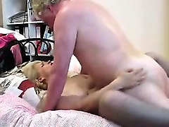 missionary-style vagina pumping motion by dick