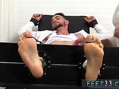 stud gets his feet tickled and worshiped by two twinks