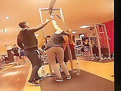 Long ponytail chick secretly filmed in the gym
