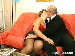 Horny Mature Slut Gets Fucked By Two Part4
