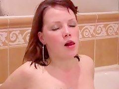 Cute Shaved Teen Masturbate In The Shower Part1